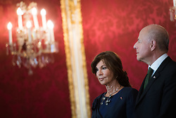 "03.06.2019, Präsidentschaftskanzlei, Wien, AUT, Angelobung der Übergangsregierung, im Bild Bundeskanzlerin Brigitte Bierlein und Vizekanzler und Justizminister Clemens Jabloner // Austrian Chancellor Brigitte Bierlein and Austrian Vice Chancellor and Minister of Justice Clemens Jabloner during inauguration of the provisional government after ""Ibiza Affair"" at Federal Presidents Office in Vienna, Austria on 2019/06/19, EXPA Pictures © 2019, PhotoCredit: EXPA/ Michael Gruber"