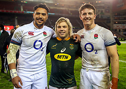 Denny Solomona of England with Faf de Klerk of South Africa and Tom Curry of England- Mandatory by-line: Steve Haag/JMP - 23/06/2018 - RUGBY - DHL Newlands Stadium - Cape Town, South Africa - South Africa v England 3rd Test Match, South Africa Tour