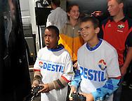 23-08-2008 VOETBAL:WILLEM II:OPENDAG:TILBURG<br /> Supporters van Willem II konder FIFA spelen van EA sports<br /> Foto: Geert van Erven