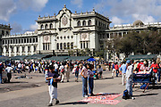 Sunday 12 November 2006<br /> Daily Life scenes from the Parque Central main Square in Guatemala City. The green building is the National Palace, home of the executive branch of the Guatemalan Government.