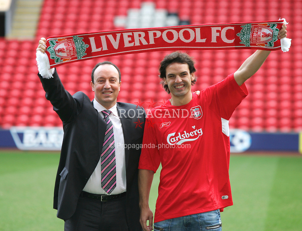 LIVERPOOL, ENGLAND - FRIDAY JANUARY 14th 2005: New Liverpool's new signing Fernando Morientes at Anfield with new manager Rafael Benitez following his £6.3 million move from Spanish Champions Real Madrid. (Pic by David Rawcliffe/Propaganda)