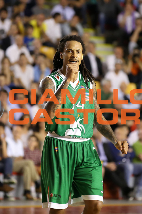 DESCRIZIONE : Roma Lega A 2012-2013 Acea Roma Montepaschi Siena playoff finale gara 1<br /> GIOCATORE : David Moss<br /> CATEGORIA : esultanza<br /> SQUADRA : Montepaschi Siena<br /> EVENTO : Campionato Lega A 2012-2013 playoff finale gara 1<br /> GARA : Acea Roma Montepaschi Siena<br /> DATA : 11/06/2013<br /> SPORT : Pallacanestro <br /> AUTORE : Agenzia Ciamillo-Castoria/ElioCastoria<br /> Galleria : Lega Basket A 2012-2013  <br /> Fotonotizia : Roma Lega A 2012-2013 Acea Roma Montepaschi Siena playoff finale gara 1<br /> Predefinita :