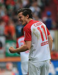 20171021, 1.BL FCA vs Hannover 96, WWK Arena Augsburg, Fussball, Sport, im Bild:...1:0 Jubel Michael Gregoritsch(FC Augsburg)..*Copyright by:  Philippe Ruiz..Postbank Muenchen.IBAN: DE91 7001 0080 0622 5428 08..Oberbrunner Strasse 2.81475 MŸnchen, .Tel: 089 745 82 22, .Mobil: 0177 29 39 408..( MAIL:  philippe_ruiz@gmx.de ) ..Homepage: www.sportpressefoto-ruiz.de. (Credit Image: © Philippe Ruiz/Xinhua via ZUMA Wire)