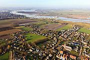 Nederland, Noord-Brabant, Lithoijen, 10-01-2011; Het dorp Lithooijen (Lith) aan de Maas, met de Prinses Maxima Sluizen. luchtfoto (toeslag), aerial photo (additional fee required).foto/photo Siebe Swart