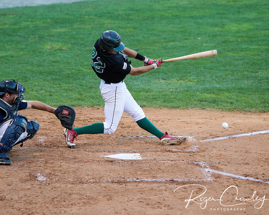 The Vermont Mountaineers (18-21) clinched a 2012 playoff spot with an 8-5 win over Holyoke in New England Collegiate Baseball League (NECBL) action on Tuesday night.