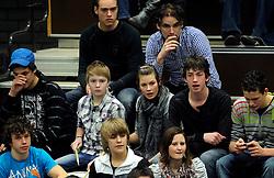 19-02-2011 VOLLEYBAL: PRINS VCV - DRAISMA DYNAMO: VEENENDAAL<br /> Dynamo wint vrij eenvoudig met 3-0 van VCV / VCV sporthal West, touschouwers publiek<br /> ©2011-WWW.FOTOHOOGENDOORN.NL