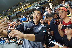 February 17, 2018 - Auckland, Auckland, New Zealand - Ross Taylor takes selfies with fans after the T20 Tri series between New Zealand and Australia at Eden Park in Auckland on Feb 16, 2018. Australia win by 5 wickets. (Credit Image: © Shirley Kwok/Pacific Press via ZUMA Wire)