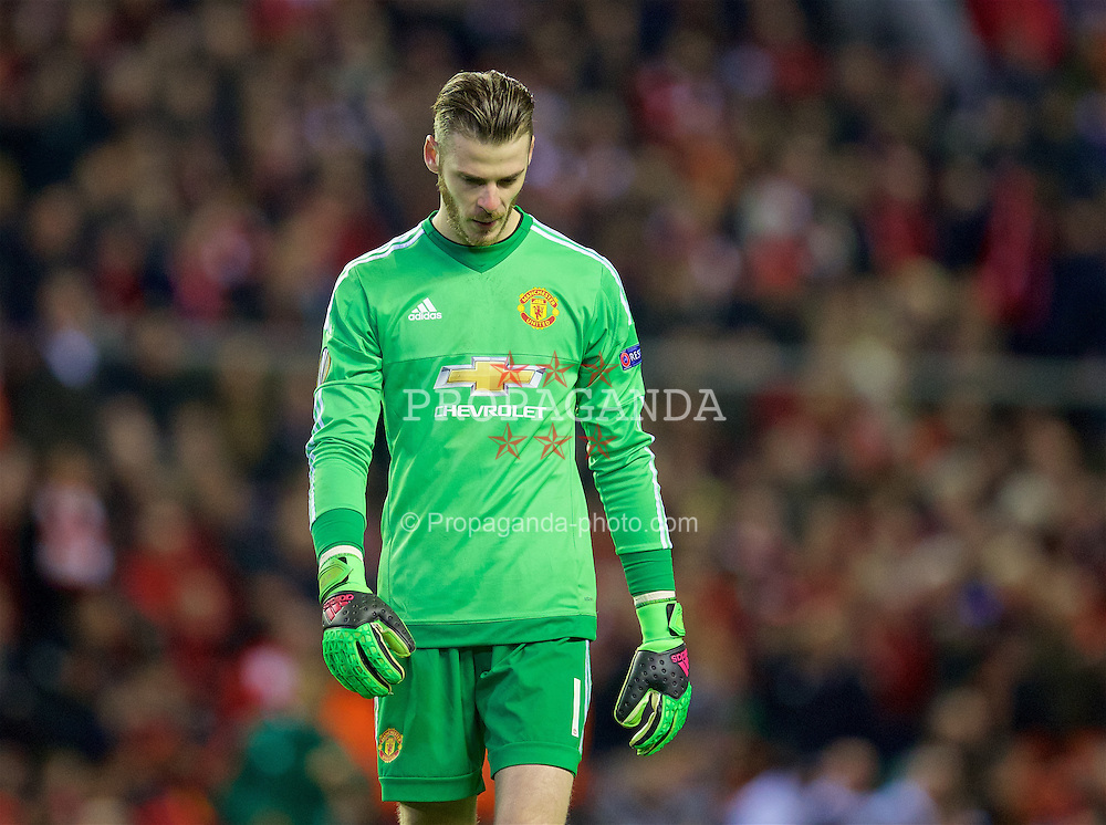 LIVERPOOL, ENGLAND - Thursday, March 10, 2016: Manchester United's goalkeeper David de Gea looks dejected as his side lose 2-0 to Liverpool during the UEFA Europa League Round of 16 1st Leg match at Anfield. (Pic by David Rawcliffe/Propaganda)