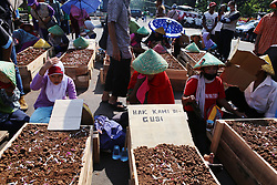 May 1, 2017 - Jakarta, jakarta, indonesia - Thousands of workers from Jakarta and surrounding areas, crowded the city of Jakarta perform their action on international labor day at the roundabout of the national monument jakarta (Credit Image: © Denny Pohan via ZUMA Wire)