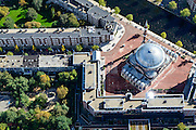 Nederland, Noord-Holland, Amsterdam, 27-09-2015; stadsdeel Amsterdam-West (de Baarsjes) met aan het Piri Reisplein de Milli Gorus Westermoskee (Ayasofya Camii). Voormalig Riva-terrein.<br /> Westermoskee (Western Mosque) in western part of Amsterdam.<br /> <br /> luchtfoto (toeslag op standard tarieven);<br /> aerial photo (additional fee required);<br /> copyright foto/photo Siebe Swart