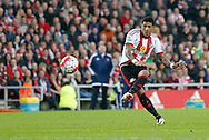 Patrick van Aanholt of Sunderland scoring the opening goal during the Barclays Premier League match at the Stadium Of Light, Sunderland<br /> Picture by Simon Moore/Focus Images Ltd 07807 671782<br /> 11/05/2016