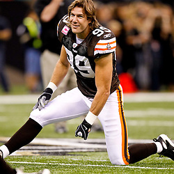 Oct 24, 2010; New Orleans, LA, USA; Cleveland Browns linebacker Scott Fujita (99) during warm ups prior to kickoff of a game against the New Orleans Saints at the Louisiana Superdome. Mandatory Credit: Derick E. Hingle