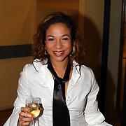 Alternate Chantal Janszen hoofdrol Crazy For You, Nurlaila Karim