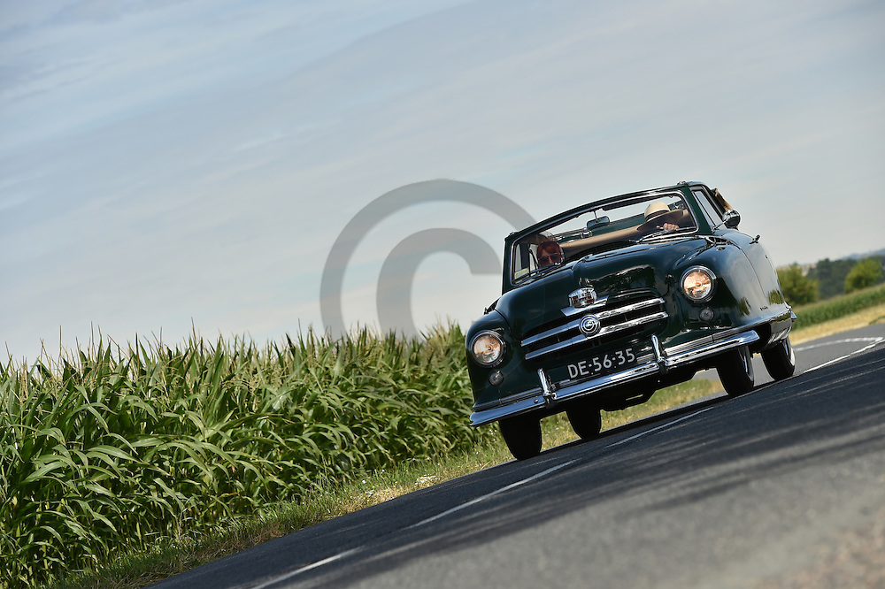 02/08/16 - CHAPPES - PUY DE DOME - FRANCE - Essais NASH Airflyte convertible de 1953 - Photo Jerome CHABANNE