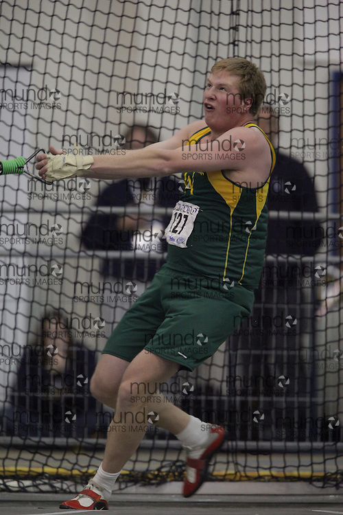 Windsor, Ontario ---13/03/09--- Darren McDonald of  the University of Alberta competes in the mens weight throw at the CIS track and field championships in Windsor, Ontario, March 13, 2009..GEOFF ROBINS Mundo Sport Images