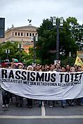 Frankfurt am Main | 05 July 2014<br /> <br /> Am Samstag (05.07.2014) demonstrierten in Frankfurt am Main etwa 250 Menschen aus der linksradikalen Szene gegen die deutsche Fl&uuml;chtlingspolitik, gegen Abschiebungen und f&uuml;r das Bleiberecht gefl&uuml;chteter Menschen in Deutschland und anderswo.<br /> Hier: Die Demo vor der Alten Oper, Transparent &quot;Rassismus t&ouml;tet&quot;.<br /> <br /> [Foto honorarpflichtig, kein Model Release]<br /> <br /> &copy;peter-juelich.com