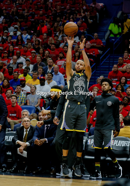 May 6, 2018; New Orleans, LA, USA; Golden State Warriors guard Stephen Curry (30) shoots against the New Orleans Pelicans during the first quarter in game four of the second round of the 2018 NBA Playoffs at the Smoothie King Center. Mandatory Credit: Derick E. Hingle-USA TODAY Sports