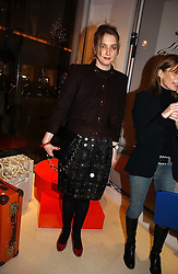 DAISY DE VILLENEUVE at the launch of the Essenziale shop, Grafton Street, London on 12th December 2006.<br /><br />NON EXCLUSIVE - WORLD RIGHTS