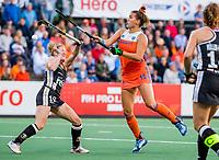 AMSTELVEEN - Frederique Matla (Ned) met Maike Schaunig (Ger)    tijdens de halve finale  Nederland-Duitsland (2-1) van de Pro League hockeywedstrijd dames. COPYRIGHT KOEN SUYK
