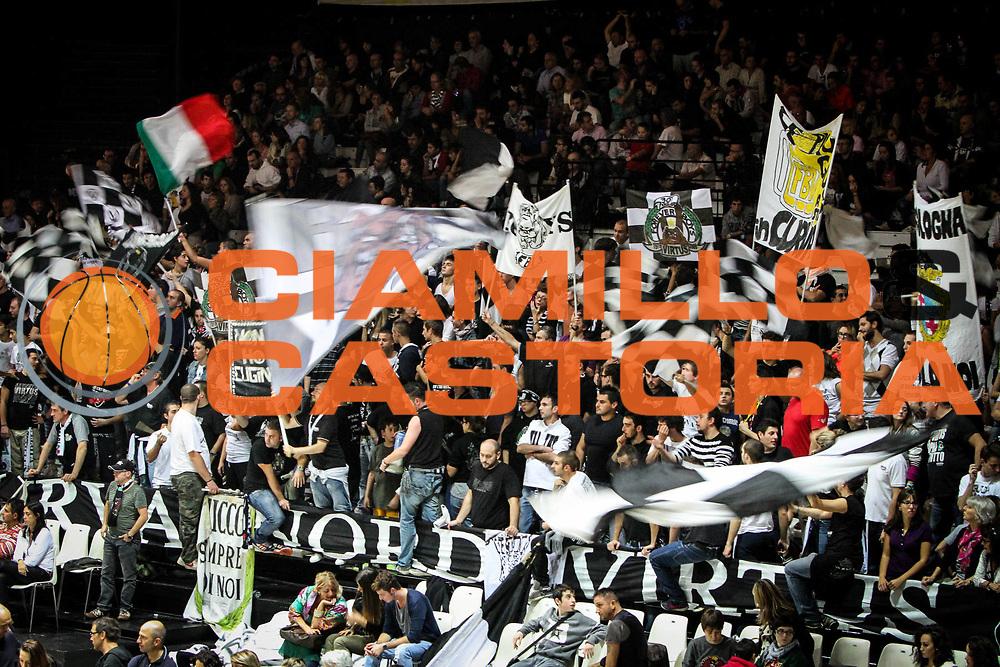 DESCRIZIONE : Bologna Lega A 2012-13 SAIE3 Virtus Bologna Cimberio Varese<br /> GIOCATORE : tifosi<br /> CATEGORIA : tifosi<br /> SQUADRA : SAIE3 Virtus Bologna<br /> EVENTO : Campionato Lega A 2012-2013<br /> GARA : SAIE3 Virtus Bologna Cimberio Varese<br /> DATA : 21/10/2012<br /> SPORT : Pallacanestro <br /> AUTORE : Agenzia Ciamillo-Castoria/A.Catellani<br /> Galleria : Lega Basket A 2012-2013 <br /> Fotonotizia : Bologna Lega A 2012-13 SAIE3 Virtus Bologna Cimberio Varese<br /> Predefinita :