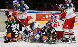 27.11.2015, Eisstadion Liebenau, Graz, AUT, EBEL, Moser Medical Graz 99ers vs EC Red Bull Salzburg, 25. Runde, im Bild von links Matt Fornataro (Moser Medical Graz 99ers), Zdenek Kutlak (EC Red Bull Salzburg), Luka Gracnar (EC Red Bull Salzburg), Evan Brophey (Moser Medical Graz 99ers), Matthias Trattnig (EC Red Bull Salzburg) und Pehr Ledin (EC Red Bull Salzburg) // during the Erste Bank Icehockey League 25th Round match between Moser Medical Graz 99ers and EC Red Bull Salzburg at the Ice Stadium Liebenau, Graz, Austria on 2015/11/27, EXPA Pictures © 2015, PhotoCredit: EXPA/ Erwin Scheriau