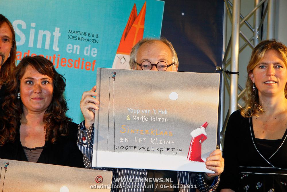 NLD/Amsterdam/20101115 - Presentatie Douwe Egberts Sinterklaasboeken Openbare Bibliotheek Amsterdam,