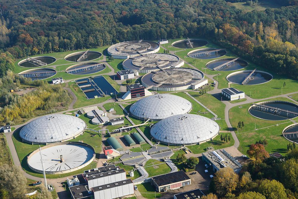 Nederland, Noord-Brabant, Eindhoven, 24-10-2013; Waterschap De Dommel, Rioolwaterzuiveringsinstallatie RWZI<br /> Sewage treatment.<br /> luchtfoto (toeslag op standaard tarieven);<br /> aerial photo (additional fee required);<br /> copyright foto/photo Siebe Swart.