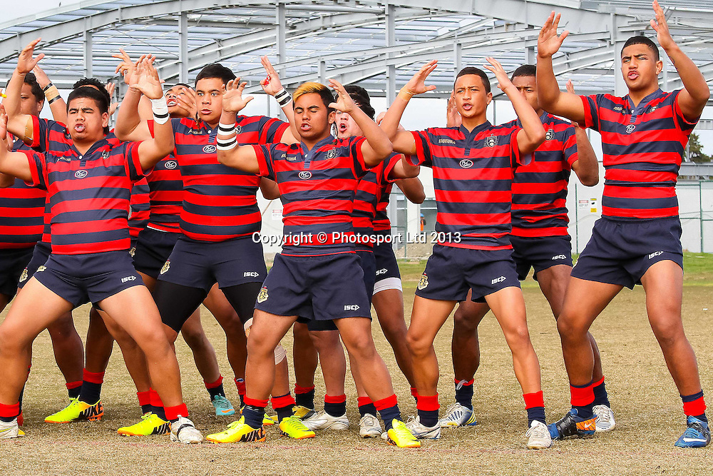 Rotorua Boys Haka,  Rotorua Boys v James Cook High School, National Secondary Schools Rugby League - Day 3, 4 September 2013. Photo: David Joseph / photosport.co.nz