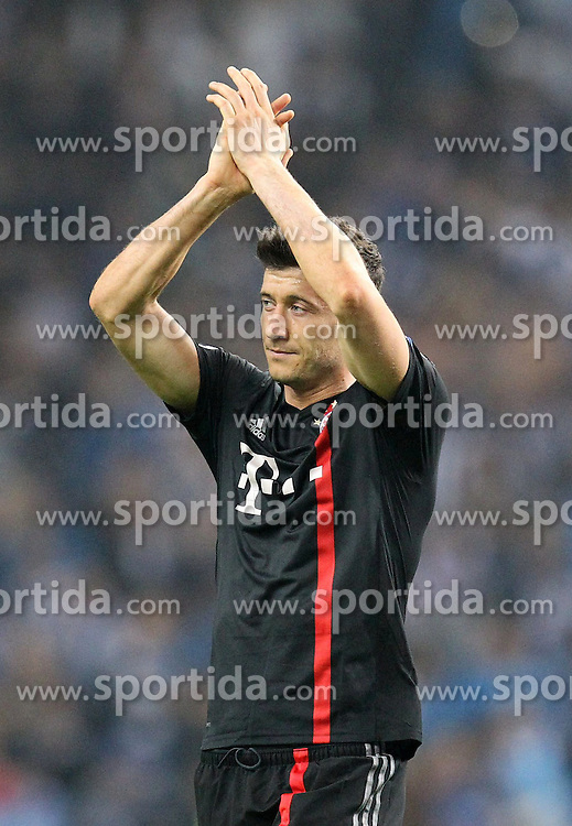 15.04.2015, Estadio do Dragao, Porto, POR, UEFA CL, FC Porto vs FC Bayern Muenchen, Viertelfinale, Hinspiel, im Bild enttaeuschung bei Robert Lewandowski #9 (FC Bayern Muenchen) // during the UEFA Champions League quarter finals 1st Leg match between FC Porto vs FC Bayern Muenchen at the Estadio do Dragao in Porto, Portugal on 2015/04/15. EXPA Pictures &copy; 2015, PhotoCredit: EXPA/ Eibner-Pressefoto/ Kolbert<br /> <br /> *****ATTENTION - OUT of GER*****