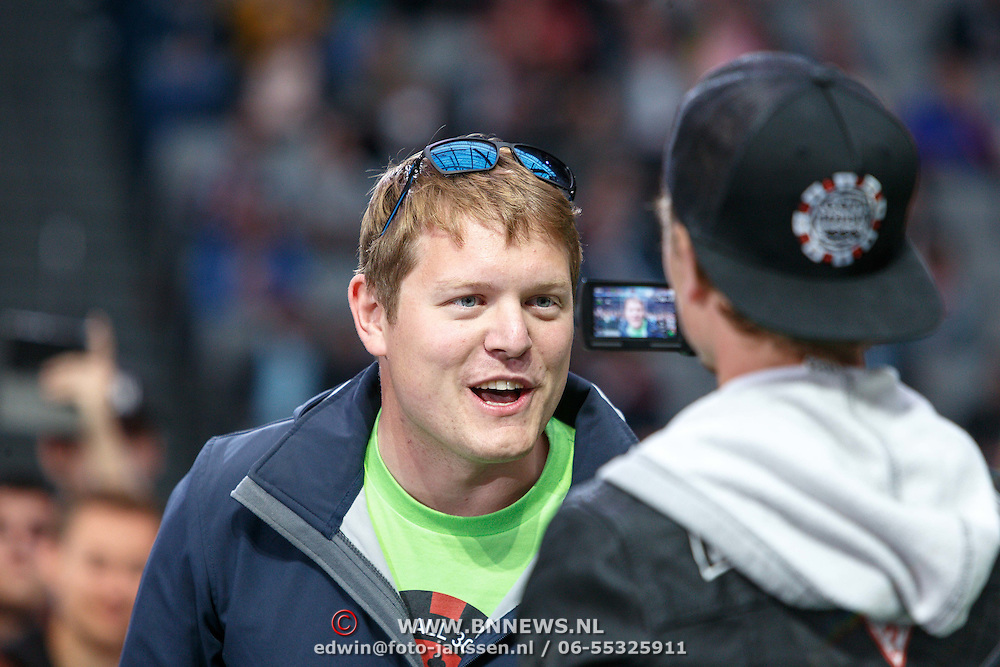 NLD/Amsterdam/20150526 - Gumball 3000 aankomst in de Amsterdam Arena, Youtube ster Shmee150 Tim Burton