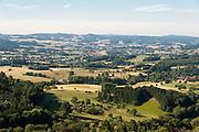 Blick auf Landschaft von Burg Lindenfels, Odenwald, Hessen, Deutschland | Overlooking countryside from Burg Lindenfels, Odenwald, Hesse, Germany