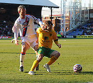 London - Friday, December 26th, 2008: Shaun Derry of Crystal Palace and Wesley Hoolahan of Norwich City during the Coca Cola Championship match at Selhurst Park, London. (Pic by Alex Broadway/Focus Images)