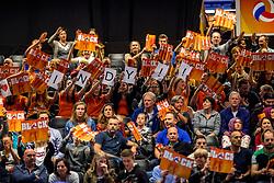 05-04-2017 NED:  CEV U18 Europees Kampioenschap vrouwen dag 4, Arnhem<br /> Nederland - Turkije 3-1 / Nederland doet zeer goede zaken en kan zich met winst op Italië zeker stellen van een halve finaleplaats - Support, publiek Oranje, vlagen sfeer, Indy