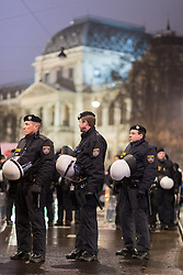 03.02.2017, Innere Stadt, Wien, AUT, Demonstration gegen den Wiener Akademikerball des Wiener Kooperationsrings, im Bild Polizisten vor dem Hauptgebäude der Universität Wien // police officers in front of the University during Protest against WKR- Ball, Inner City, Vienna, Austria on 2015/02/03, EXPA Pictures © 2017, PhotoCredit: EXPA/ Michael Gruber