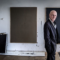 Nederland, Amsterdam, 14 april 2016.<br /> De Amsterdamse kunstenaar van Limburgse afkomst Lou Meulenberg in zijn atelier in Buitenveldert.<br /> <br /> <br /> <br /> Foto: Jean-Pierre Jans