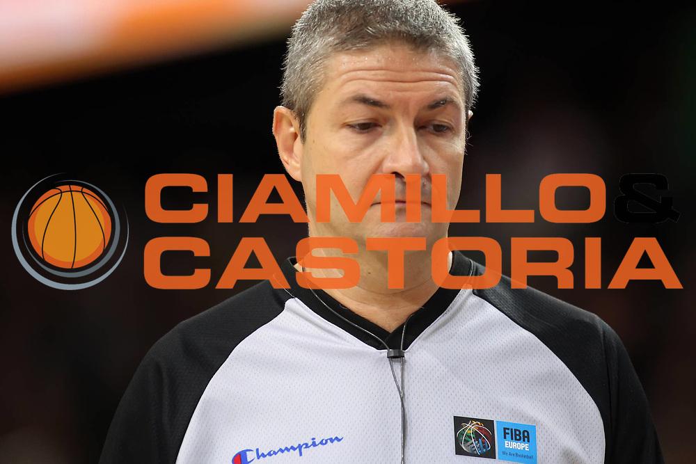 DESCRIZIONE : Kaunas Lithuania Lituania Eurobasket Men 2011 Semifinali Semi Final Round Francia Russia France Russia<br /> GIOCATORE : Luigi Lamonica<br /> SQUADRA : <br /> EVENTO : Eurobasket Men 2011<br /> GARA : Francia Russia France Russia<br /> DATA : 16/09/2011 <br /> CATEGORIA : arbitro referees<br /> SPORT : Pallacanestro <br /> AUTORE : Agenzia Ciamillo-Castoria/ElioCastoria<br /> Galleria : Eurobasket Men 2011 <br /> Fotonotizia : Kaunas Lithuania Lituania Eurobasket Men 2011 Semifinali Semi Final Round Francia Russia France Russia<br /> Predefinita :