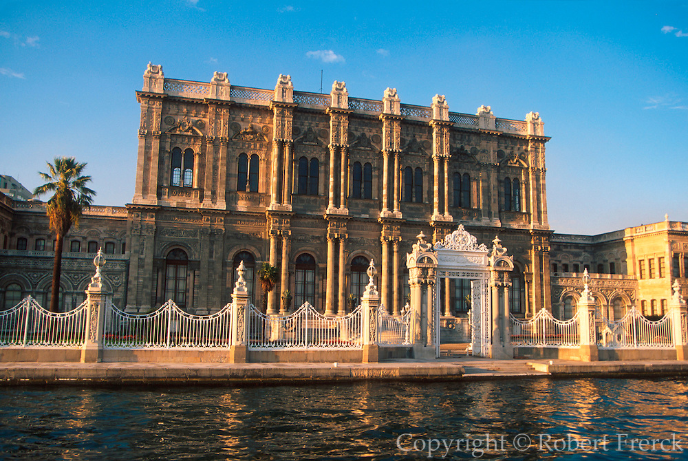 TURKEY, ISTANBUL, BOSPHORUS DOLMABAHCE; huge 19thc palace of the Ottoman Sultans since 1853; located on the European side of the Bosphorus