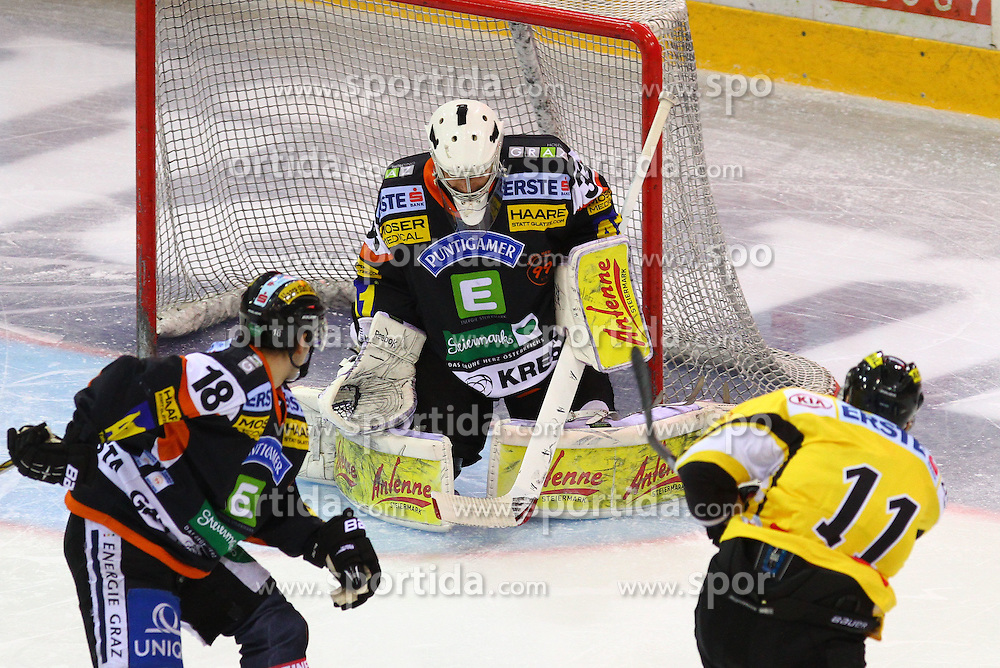 22.01.2012, Albert Schultz Halle, Wien, AUT, EBEL, UPC Vienna Capitals vs Moser Medical Graz 99ers, im Bild Robert Lembacher, (Moser Medical Graz 99ers, #18), Frederic Cloutier, (Moser Medical Graz 99ers, #33) und Andre Lakos, (UPC Vienna Capitals, #11) // during the icehockey match of EBEL between UPC Vienna Capitals (AUT) and Moser Medical Graz 99ers (AUT) at Albert Schultz Halle, Vienna, Austria on 22/01/2012,  EXPA Pictures © 2012, PhotoCredit: EXPA/ T. Haumer