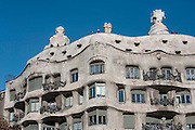 Upper part of the western and southern façades; Undulating Cornice; Plaster Ceiling, La Pedrera (Casa Milà), Barcelona, Catalonia, Spain, built by Antoni Gaudí (Reus 1852 ? Barcelona 1926), 1906 - 1910, for the Milà Family, with Josep Maria Jujol as architect collaborator and with Joan Beltran as a plaster. One of the main Gaudi residential buildings. Picture by Manuel Cohen