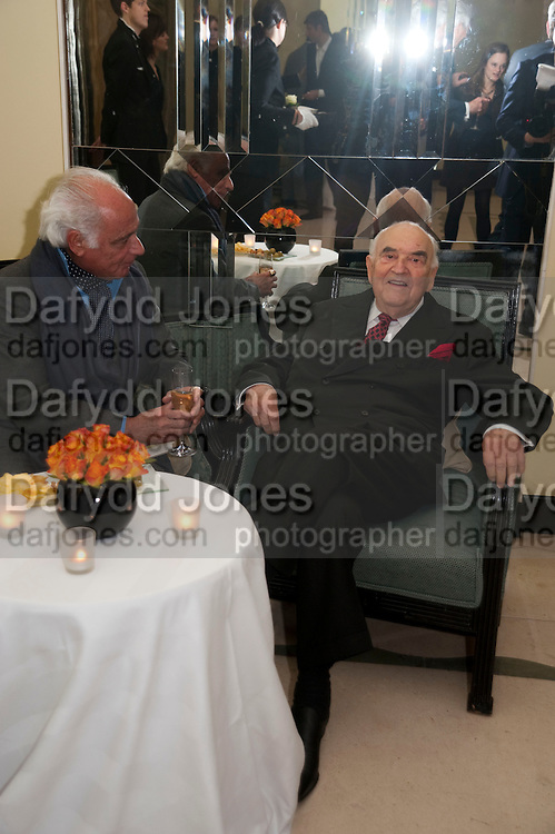 JOHN STEFANIDES; LORD WEIDENFELD, Book launch of Lady Annabel Goldsmith's third book, No Invitation Required. Claridges's. London. 11 November 2009