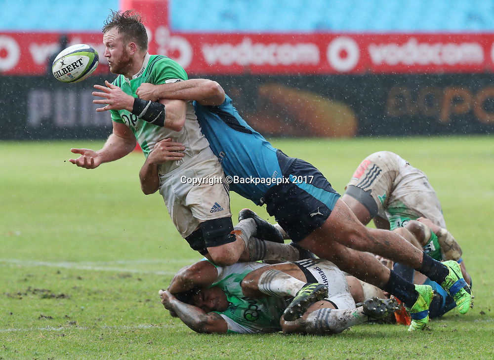 Gareth Evans of the Highlanders tackled by Jaco Visagie of the Bulls during the 2017 Super Rugby match between the Bulls and Highlanders at Loftus Stadium, Pretoria on 13 May 2017 ©Gavin Barker/BackpagePix / www.photosport.nz