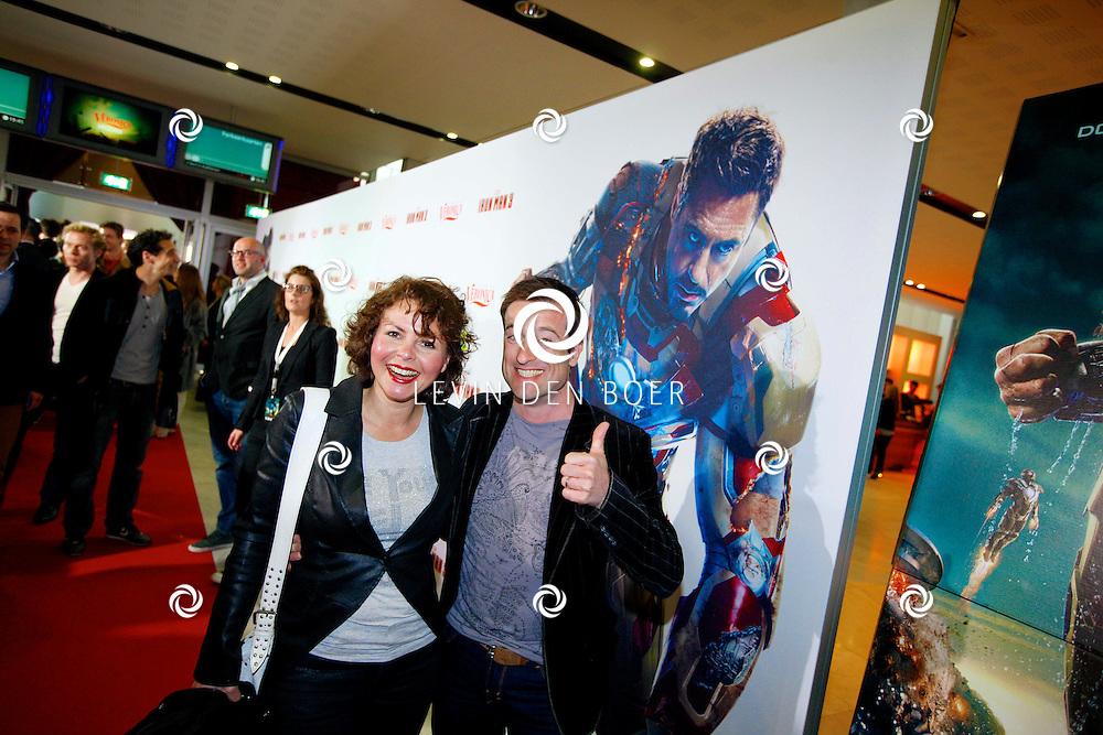 AMSTERDAM - In het Rai theater is de filmpremiere van Iron Man 3. Met op de foto  Maaike Widdershoven met partner Daniel Staakman. FOTO LEVIN DEN BOER - PERSFOTO.NU