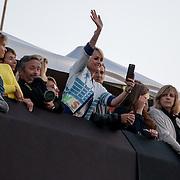 Laetitia Hallyday et Guillaume Canet lors du concert de Johnny Hallyday aux francofolies de La Rochelle 2015