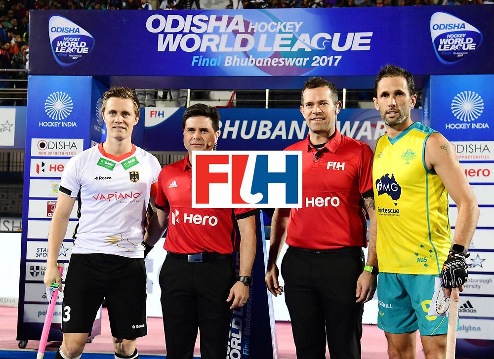 Odisha Men's Hockey World League Final Bhubaneswar 2017<br /> Match id:20<br /> Australia v Germany<br /> Foto: Line Up<br /> Mats Grambusch (Ger) and Mark Knowles (Aus) <br /> COPYRIGHT WORLDSPORTPICS FRANK UIJLENBROEK