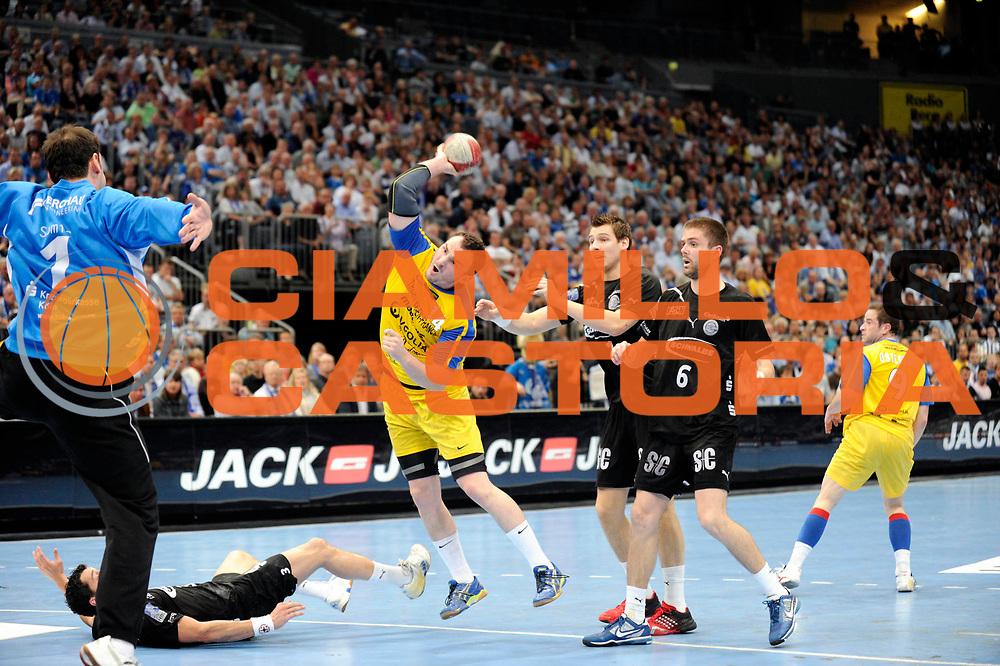 DESCRIZIONE : Handball coupe des coupes finale Tremblay Gummersbach<br /> GIOCATORE : Guillard Romain<br /> SQUADRA : Tremblay <br /> EVENTO : Coupe d'europe 2010-2011<br /> GARA : Tremblay Gummersbach<br /> DATA : 20/05/2011<br /> CATEGORIA : Handball Coupe d'europe<br /> SPORT : Handball<br /> AUTORE : JF Molliere par Agenzia Ciamillo-Castoria <br /> Galleria : France Hand 2010-2011 Action<br /> Fotonotizia : coupe des coupe finale Tremblay Gummersbach<br />   Match retour a Gummersbach