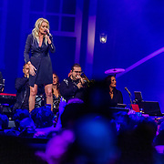 NLD/Amsterdam/20200306 - Holland Zingt Hazes 2020, Miss Montreal en begeleidingsband