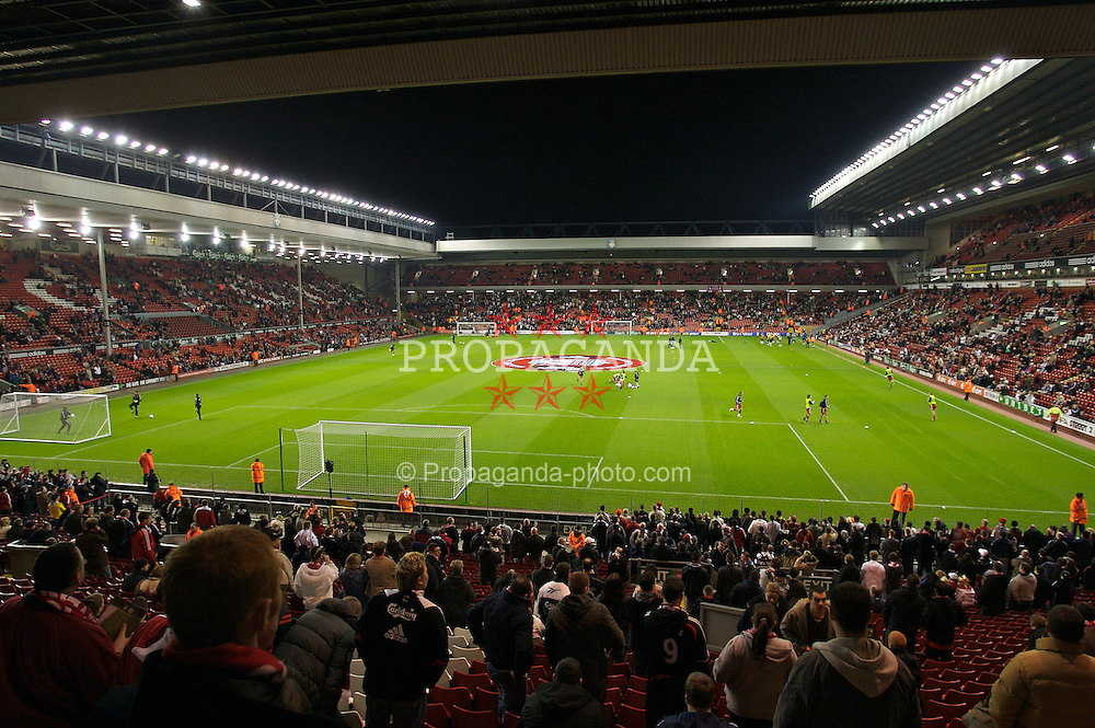 LIVERPOOL, ENGLAND - Tuesday, January 15, 2008: Anfield fills up before the FA Cup 3rd Round Replay against Luton Town at Anfield. (Photo by David Rawcliffe/Propaganda)