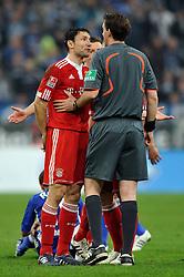 03-04-2010 VOETBAL: SCHALKE 04 - BAYERN MUNCHEN: GELSENKIRCHEN<br /> Muenchen wint met 2-1 van Schalke / Mark van Bommel <br /> ©2010- FRH nph / Conny Kurth