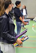 Nederland, Nijmegen, 14-7-2017Leerlingen van het Canisius College leveren hun schoolboeken inFoto: Flip FranssenDGfoto De Gelderlander176694