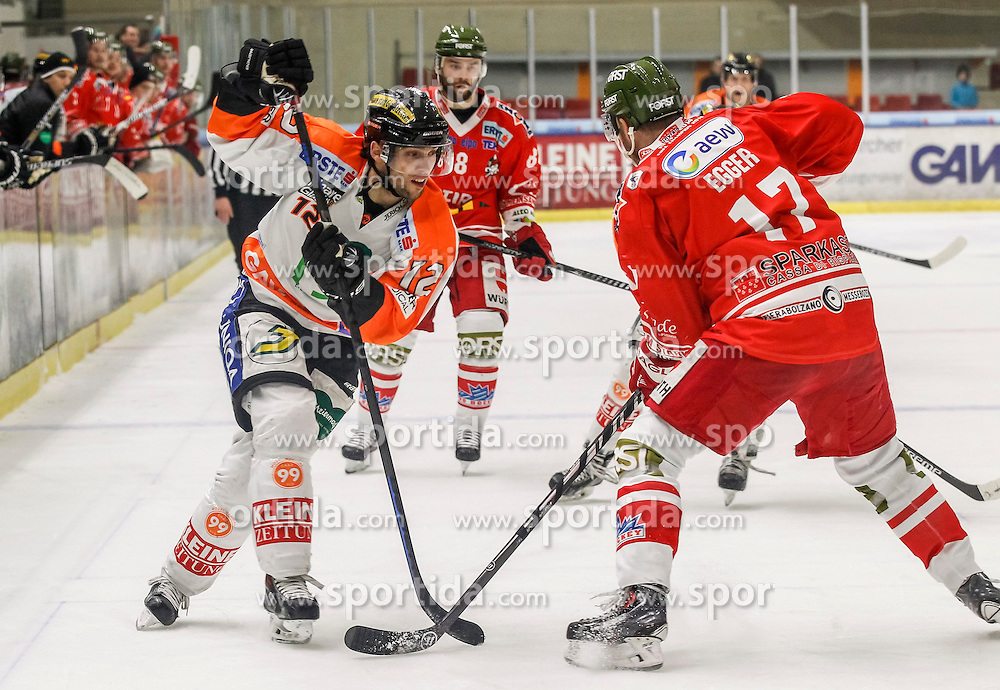 17.02.2015, Eisstadion Liebenau, Graz, AUT, EBEL, Moser Medical Graz 99ers vs HCB Suedtirol, 48. Runde, im Bild David Rodman (Moser Medical Graz 99ers) und Alexander Egger (HCB Südtirol) // David Rodman (Moser Medical Graz 99ers) and Alexander Egger (HCB Südtirol) during the Erste Bank Icehockey League 48th Round match between Moser Medical Graz 99ers and HCB Suedtirol at the Ice Stadium Liebenau, Graz, Austria on 2015/02/17, EXPA Pictures © 2015, PhotoCredit: EXPA/ Erwin Scheriau